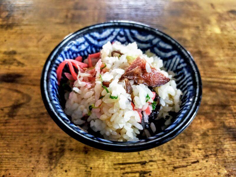 博多らーめん味の炊き込みご飯を横から撮影した写真